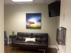 We have a couch in our larger ultrasound room to accommodate family and friends who wish to join you